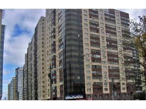 7cbff254f88e8 Продам 2-комнатную квартиру в новостройке 77/38/17 кв.м. на 13 этаже  18-этажного монолитного дома по ул. Ерошевского, 18.