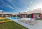 Марракеш: Вилла оригинального, архитектурного решения на первой линии гольф курорта